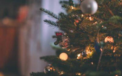 Noël: nos conseils pour passer de bonnes fêtes avec un proche âgé